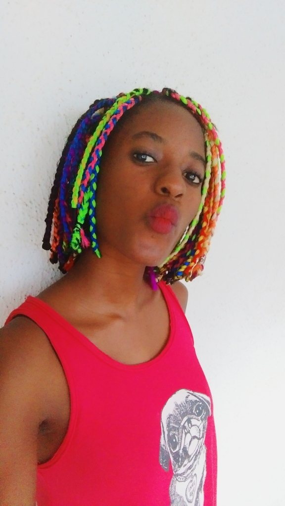 What's going on here? Oh I cut my braids and rocked it short just a day before I took it out